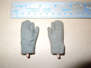DiD - WWII - GERMAN - 6th Army STALINGRAD - JOSEF - MITTENS & BENDY HANDS